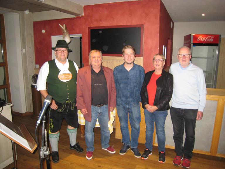 Kevin Kühnert und die Ortsvereinsvorstandschaft